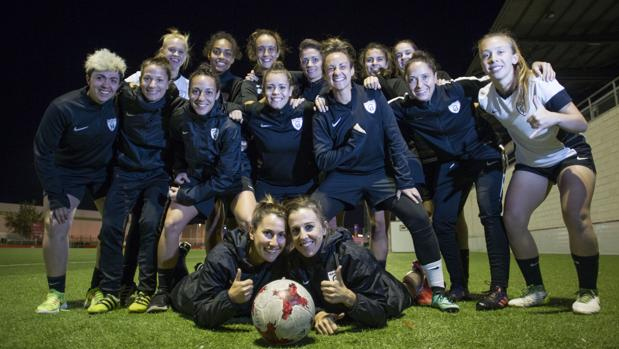 Varias jugadoras del Macrid CFF durante un entrenamiento