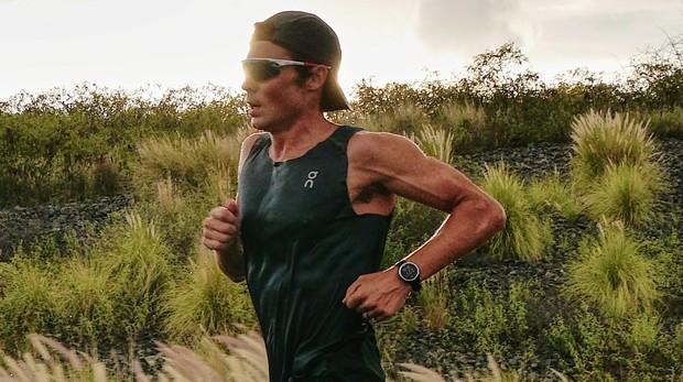Javier Gómez Noya entrena en Hawái días antes del inicio de la competición