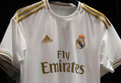 ec560b9718 Filtran la «galáctica» camiseta que Adidas ha diseñado para el Real ...