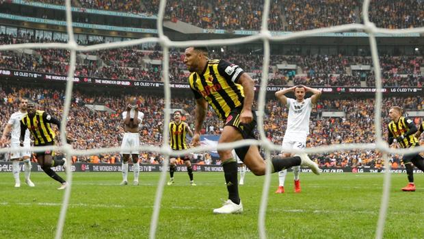 Deeney celebra el penalti que supuso la prórroga en la semifinal de la FA Cup ante el Wolverhampton