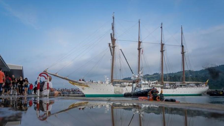 El mundo de la navegación atraca en Getaria para homenajear a Elcano