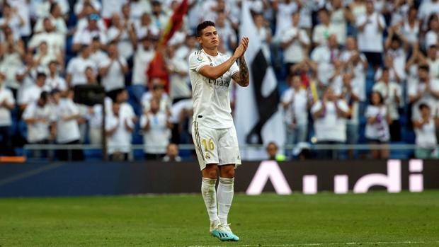 James responde a la ovación del Bernabéu