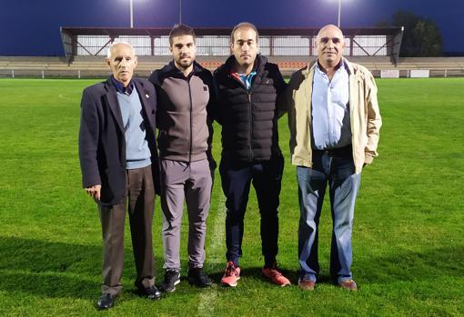 Paco, utillero; Diestro, capitán; Narganes, técnico; y Redondo, presidente