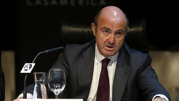 Guindos sostiene que España mantiene su ritmo de crecimiento