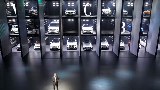 Dieter Zetsche, consejero delegado de Daimler, presenta los nuevos coches de Mercedes