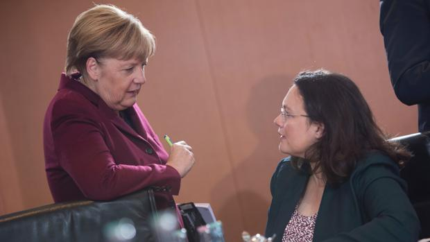 Angela Merkel, canciller alemana, junto a Andrea Nahles, ministra de Trabajo