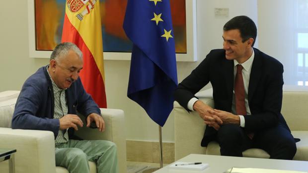 Pedro Sánchez, junto al secretario general de UGT, Pepe Álvarez