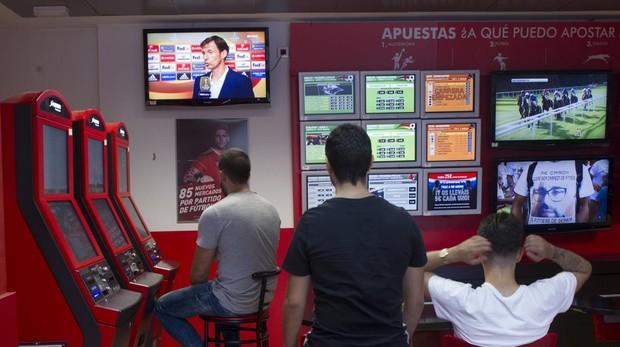 Un 16,2 % de la juventud española juega habitualmente en casas de apuestas