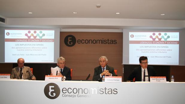 De izda a dcha: José Luis Feito, Valentín Pich, Antonio Pedraza y Juan Moscoso del Prado.