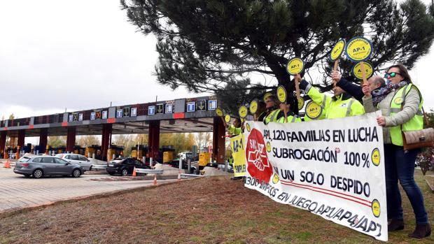 Protesta hace unos días de trabajadores de la concesionaria de la autopista