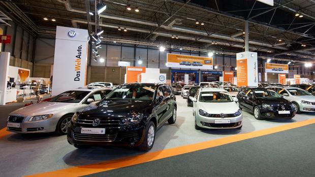 Imagen de coches de Das WeltAuto en exposición
