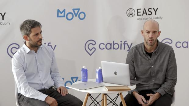 El director general de Cabify, Vicente Pascual (izquierda) y el fundador de Cabify, Juan De Antonio