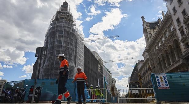 Calendario Laboral Pontevedra 2020.Subida Salarial Del 2 25 En La Construccion Para 2019 Y 2020