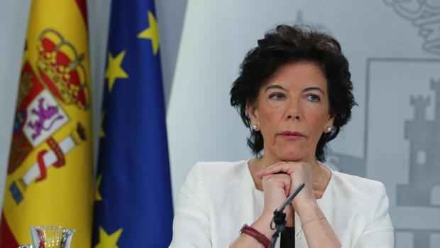 La ministra de Educación y portavoz del Gobierno, Isabel Celaé