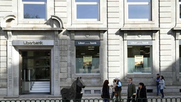 Las negociaciones entre Unicaja y Liberbank no comenzarán hasta mediados de mes