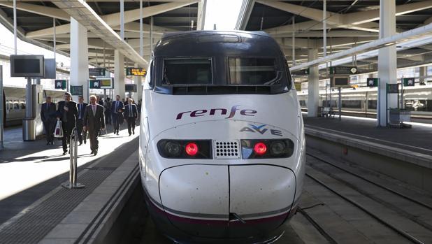 La compañía ferroviaria ha elevado un 3,8% los ingresos por transporte de viajeros en todos sus distintos tipos de trenes