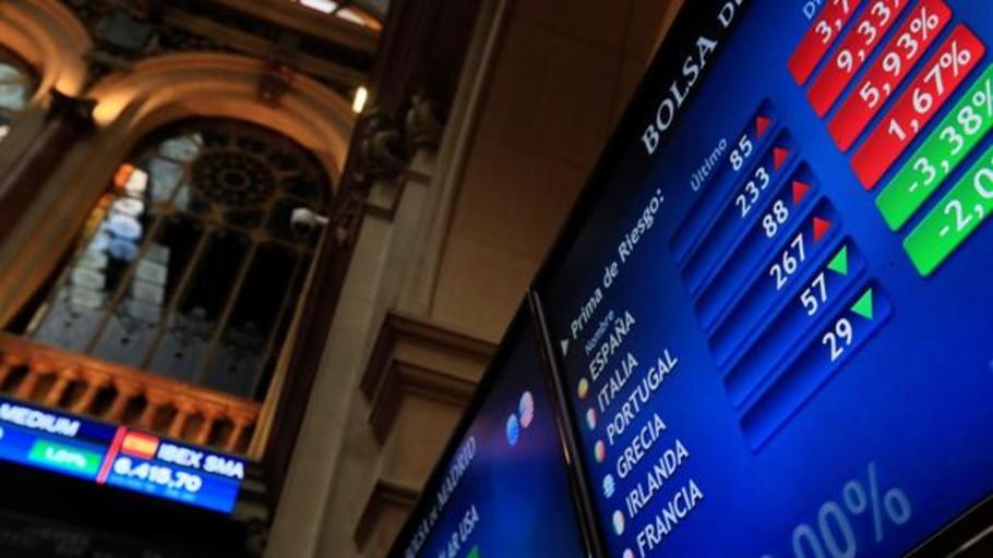 El Ibex pone en riesgo los 8.800 puntos contagiado por la inestabilidad en Italia