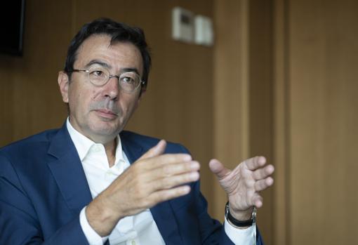 Jorge Badía, consejero delegado de Cuatrecasas, durante la entrevista con ABC