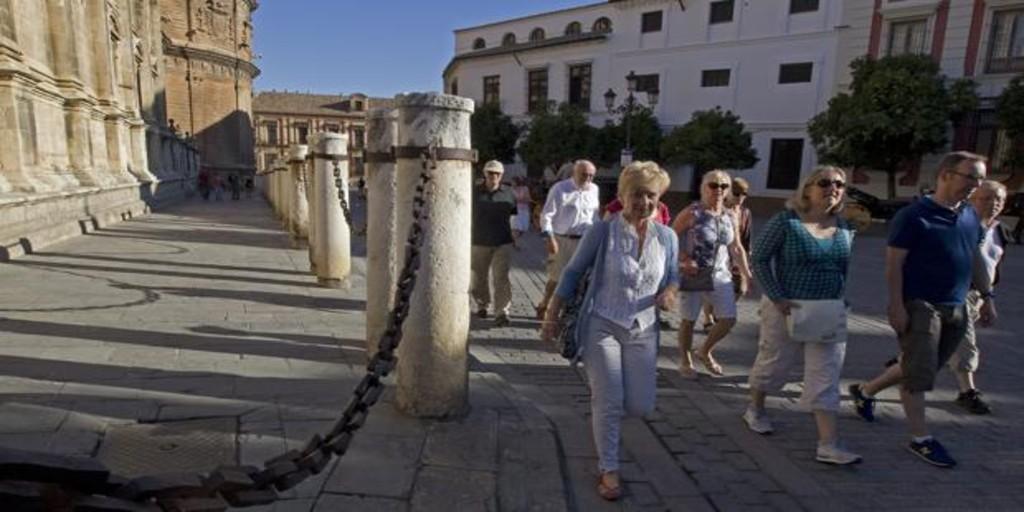 El turismo internacional cae en octubre por primera vez desde 2012 y otras cuatro noticias económicas