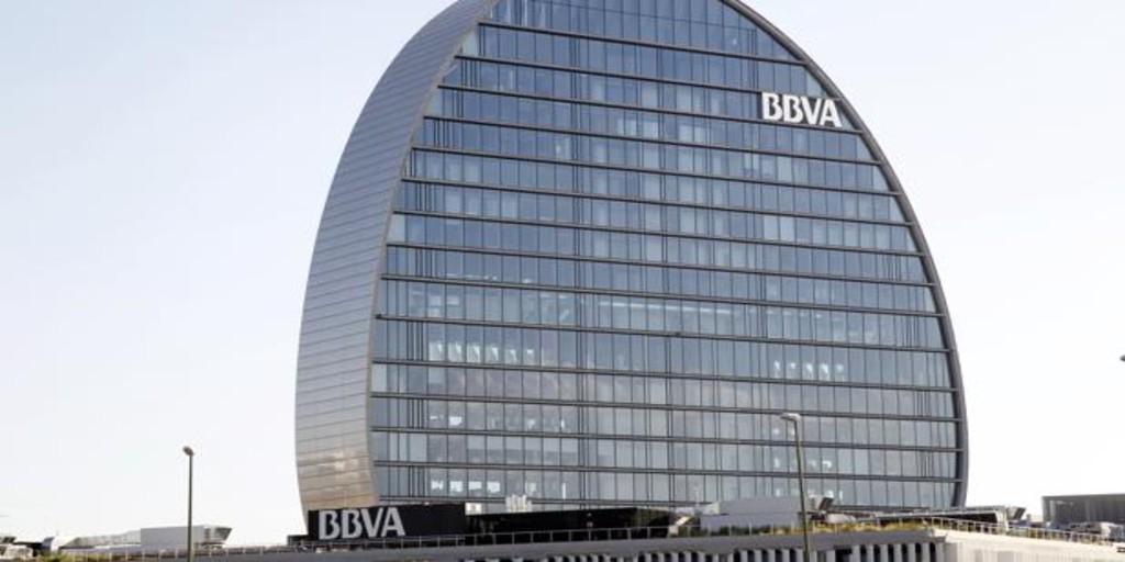 Standard & Poor's avisa ya a BBVA de que el caso Villarejo puede afectar a su «rating»