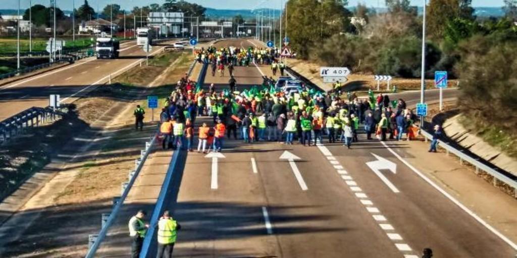 Los agricultores anuncian una movilización frente a la casa de Pablo Iglesias y otras noticias económicas