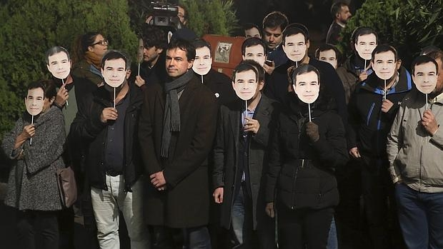 Andrés Herzog, con seguidores, a las puertas del debate