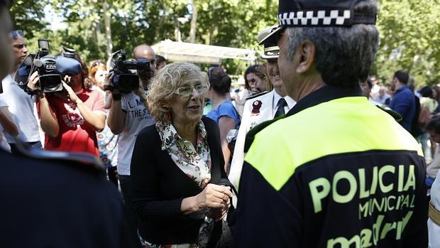 La alcaldesa de Madrid, Manuela Carmena, durante la celebración del Patrón de la Policía Municipal, el pasado 24 de junio