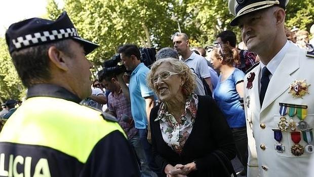 Manuela Carmena, alcaldesa de Madrid, durante la celebración del patrón de la Policía Municipal de Madrid