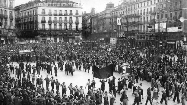 La Puerta del Sol, durante un acto conmemorativo de la Segunda República