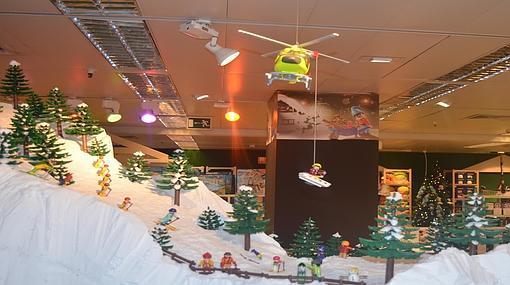 Valencia Navidad» En Playmobil Montan Su De Los «pueblo N0OPkZnw8X
