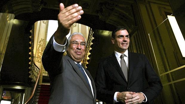 El primer ministro portugués, Antonio Costa, y Pedro Sánchez, ayer en Lisboa