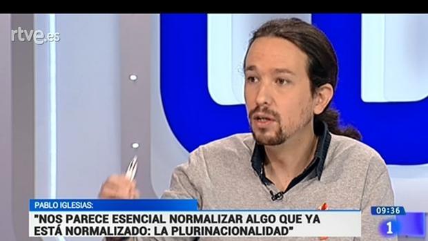 Pablo Iglesias durante la entrevista en TVE