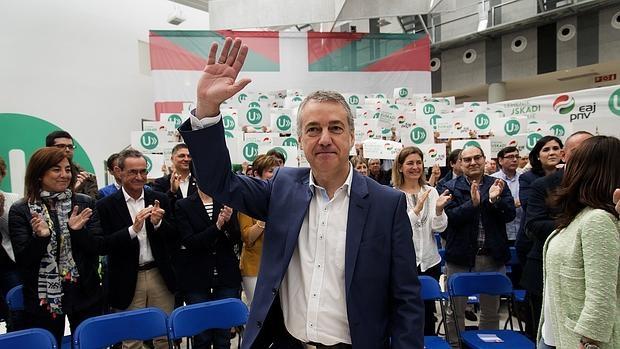 Iñigo Urkullu, tras ser proclamado por el PNV candidato a lendakari