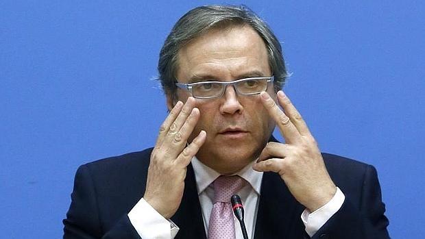 El socialista, Antonio Miguel Carmona, durante la rueda de prensa en la que fue destituido como portavoz en el Ayuntamiento de Madrid