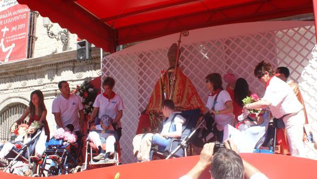 El cuatripartito que dirige el ayuntamiento ha ocultado el acto en una capilla de la iglesia de San Lorenzo