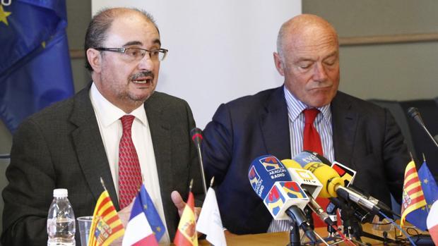 Los presidentes de Aragón y de Aquitania, Javier Lambán y Alain Rousset, se han reunido en Pau (Francia)