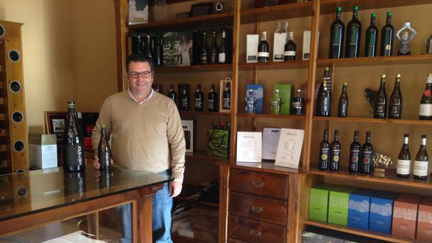 Carlos Gómez Davila, director de Adegas Valmiñor, en la sede de las bodegas en O Rosal