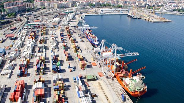 Zona de contenedores del Puerto de Vigo