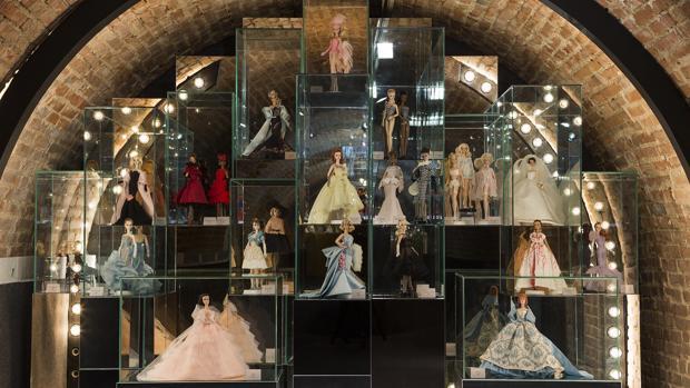Varios de los modelos expuestos al público, en la Fundación Canal