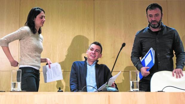 De izquierda a derecha, Maestre, Soto y Murgui, ayer, en el Ayuntamiento