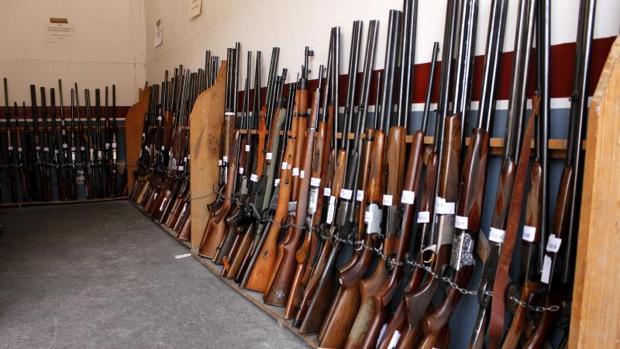 Más de 1.700 armas, a subasta en el Ifema