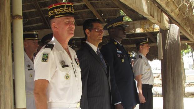 Autoridades de Francia, España y Senegal en el acto de cambio de mando