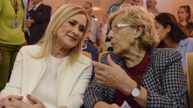 Cristina Cifuentes y Manuela Carmena, juntas en un reciente acto público