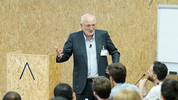 Imagen de Juan Roig durante su charla con los emprendedores