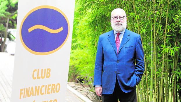 Gómez-Ulla, en la sede del Club Financiero Atlántico