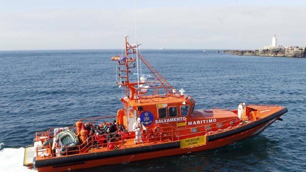 Embarcación de Salvamento Marítimo en aguas del Estrecho de Gibraltar