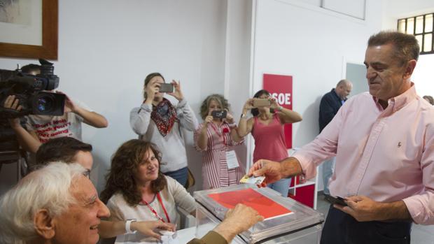 José Manuel Franco, votando este sábado en las primarias del PSOE de Madrid