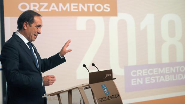 El conselleiro de Facenda, Valeriano Martínez, tras el Consello de la Xunta