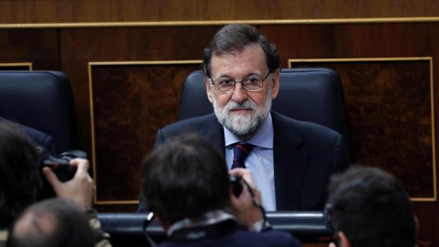 El presidente del Gobierno, Mariano Rajoy, durante la sesión de control