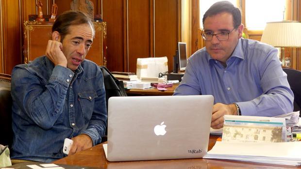 Pedro Cifuentes, con el presidente de la Diputación de Cuenca hace unos días